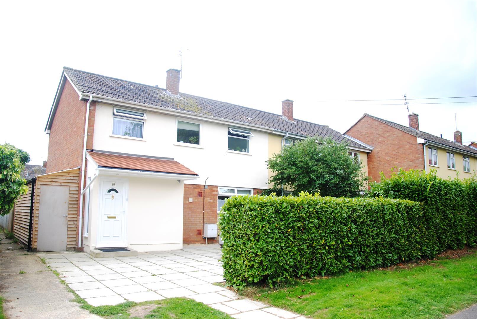3 Bedrooms Terraced House for sale in Fareham Close, Park , Swindon